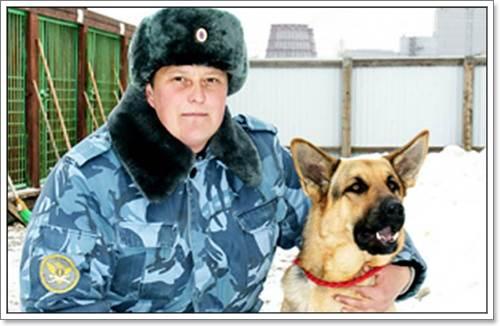 Dogilike.com :: สุนัขตำรวจช่วยชีวิตหนูน้อย หลังติดอยู่ท่ามกลางหิมะนาน 24 ชม.