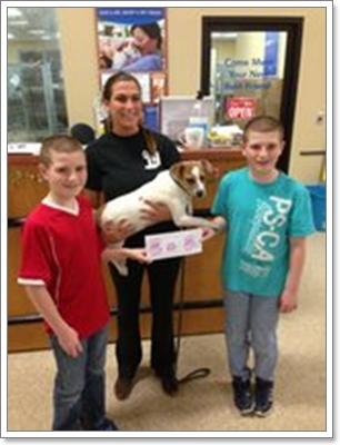 Dogilike.com :: ซึ้งใจ! เด็กแฝดโกนศีรษะแลกเงินบริจาค ช่วยสุนัขที่ต้องผ่าตัด
