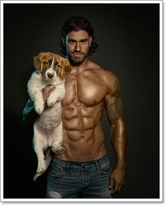 Dogilike.com :: แซ่บ! นายแบบหล่อล่ำถ่ายปฏิทินคู่สุนัข นำเงินช่วยเหลือสัตว์