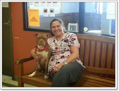 Dogilike.com :: สุดปลื้ม! หญิงหูหนวกใจดีรับเลี้ยงสุนัขหูหนวกจากศูนย์พักพิงฯ