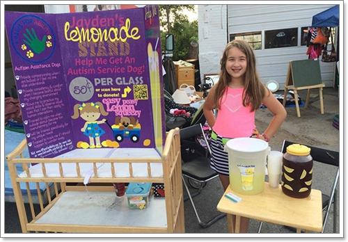 Dogilike.com :: ชื่นชม! เด็กหญิงออทิสติกขายน้ำมะนาว นำเงินรับเลี้ยงสุนัขบริการ