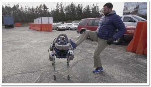 Dogilike.com :: สุดเจ๋ง! Google พัฒนาหุ่นยนต์สุนัขรุ่นใหม่ ถีบได้ไม่ล้ม