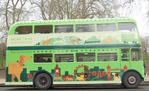 Dogilike.com :: เฮดังๆ! เปิดตัวรถบัสพาเจ้าตูบทัวร์รอบกรุงลอนดอนครั้งแรกในโลก