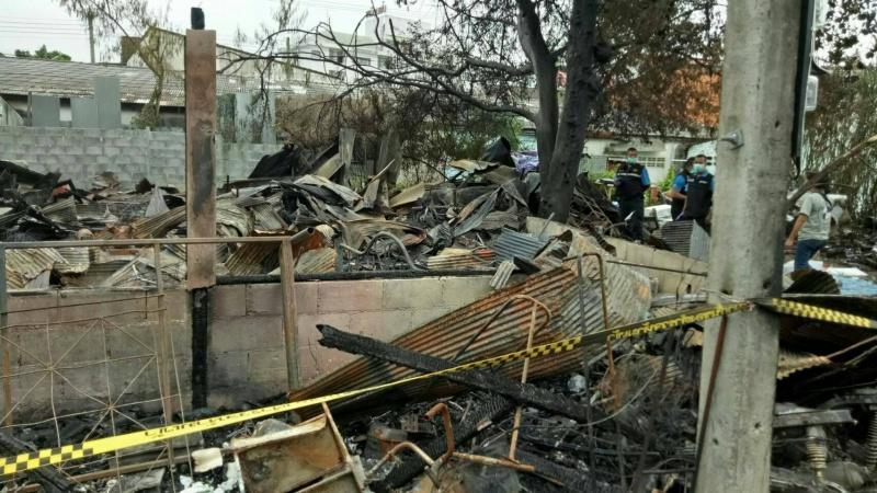 Dogilike.com :: สุดเศร้า คุณยายฝ่ากองเพลิงช่วยหมาแมว ล่าสุดเสียชีวิตแล้ว