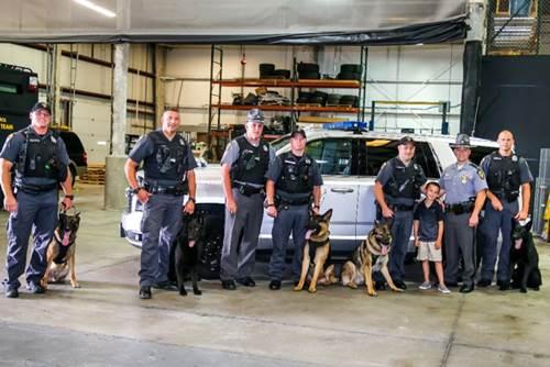Dogilike.com :: 9 ขวบเจ๋ง! ตั้งกองทุนช่วยซื้อเสื้อกันกระสุนให้สุนัขตำรวจทั่วสหรัฐฯ