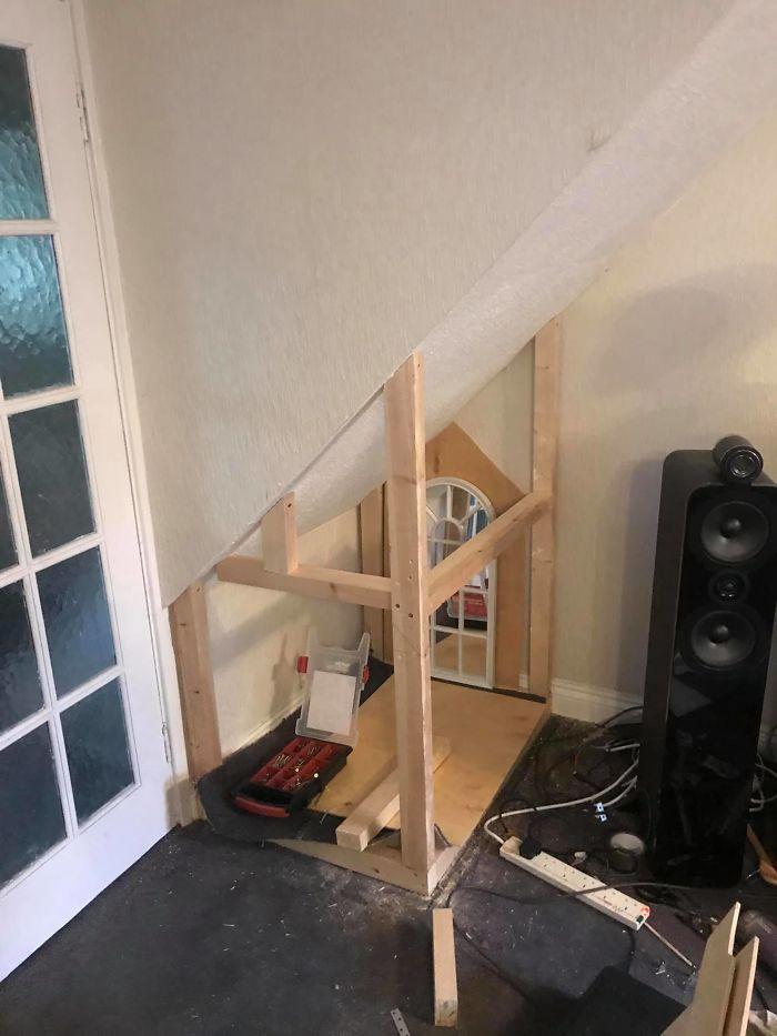 Dogilike.com :: หนุ่มสร้างบ้านส่วนตัวให้ตูบสุดรัก แม้ไม่รู้เรื่องงานไม้แต่ก็ทำจนสำเร็จ!