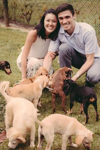 Dogilike.com :: ดีต่อใจ! คู่รักปิ๊งไอเดียถ่ายพรีเวดดิ้งในศูนย์พักพิงฯ ช่วยหมาแมวมีบ้านใหม่