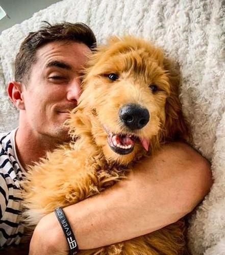 Dogilike.com :: วันนี้วันเกิดหมาผม หนุ่มเท็กซัสเช่าป้ายโฆษณาเพื่อตูบสุดรัก!