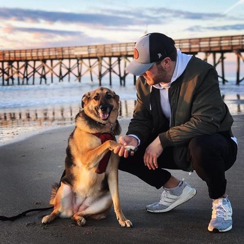 Dogilike.com :: แชร์สนั่น! หนุ่มโพสต์ซึ้ง ถ้าไม่ได้รู้สึกเหมือนผมก็อย่าเลี้ยงหมา