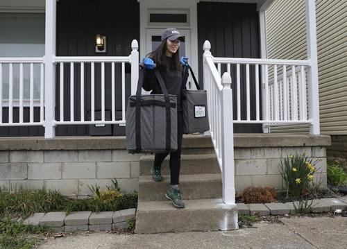 Dogilike.com :: เจ๋ง! มะกันเปิดตัว BarkEats บริการส่งตรงอาหารน้องหมาถึงหน้าบ้าน