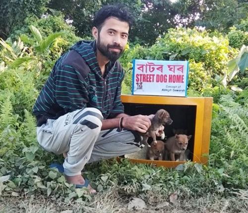 Dogilike.com :: หนุ่มปิ๊งไอเดียเปลี่ยนทีวีเก่าทำเป็นบ้านหลังใหม่ให้สุนัขไร้บ้าน!