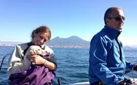 ลูกลาบราดอร์รอดหวิด หลังพลัดตกเรือว่ายลอยคอนอกฝั่งอิตาลี !