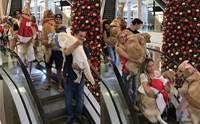 ห้างแตก! แก๊งน้องหมาบุกห้างในบราซิล งานนี้เรียกรอยยิ้มไปเต็มๆ(คลิป)
