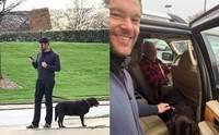 หนุ่มยืนถือป้ายตามหาเจ้าของสุนัข หลังพบเดินหลงทางข้างถนน!